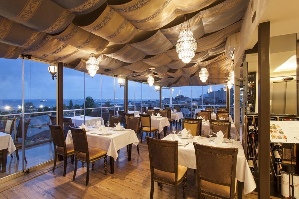 Tabbah restaurant terrace bar for Santa ottoman hotel
